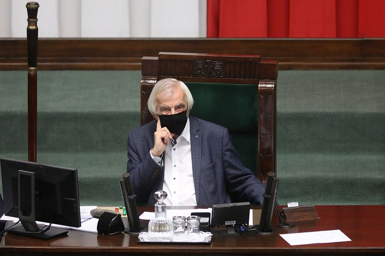 Nowe przepisy ws. COVID-19. Nawet Kaczyński wstrzymał się od głosowania