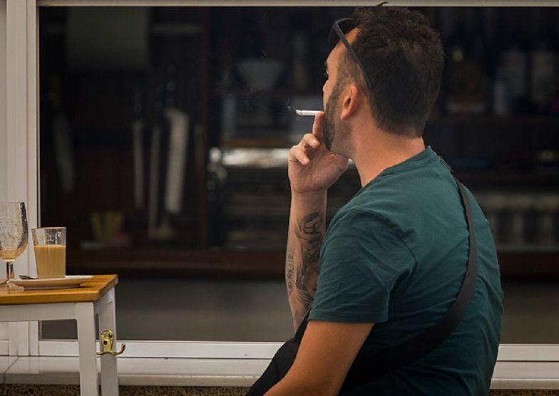 Koronawirus. Zakaz palenia w Hiszpanii. Wysokie kary