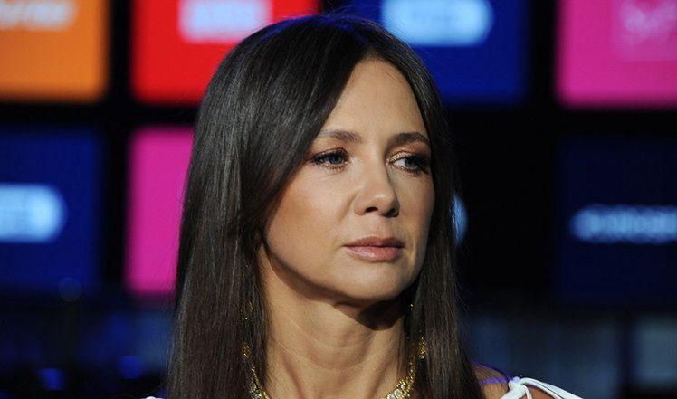 """Reporterka bez granic Kinga Rusin WYŚMIANA w """"Wiadomościach"""": """"To jedna z twarzy """"pseudoelity"""", która próbuje wmówić Polakom, jak mają żyć"""""""