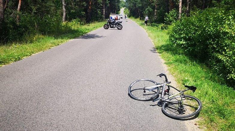 Koszmarny wypadek młodych rowerzystów. Są w poważnym stanie
