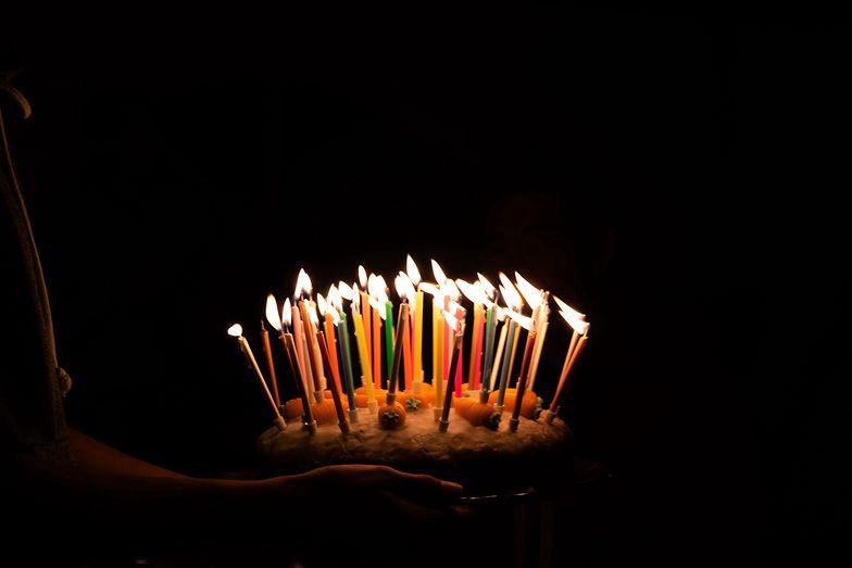 Życzenia urodzinowe 2020. Najlepsze wierszyki i życzenia SMS