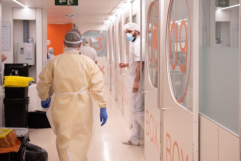 Po badaniach wymazowych covid wykryto u 233 pracowników zakładów drobiarskich.