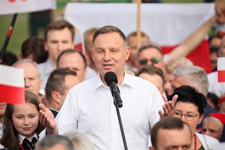 Andrzej Duda wkręcony przez Rosjan. Ekspert ocenia angielski prezydenta