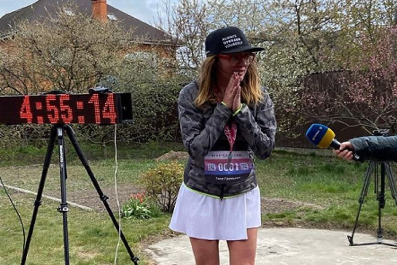 Ukrainka zdecydowała się przebiec maraton wokół swojego domu