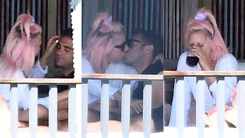Różowowłosa Lady Gaga obściskuje się z nowym chłopakiem na leżaku w Miami (ZDJĘCIA)