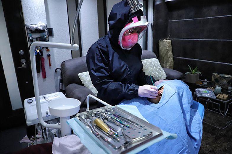 WHO ostrzega. To nie czas na wizyty u dentysty