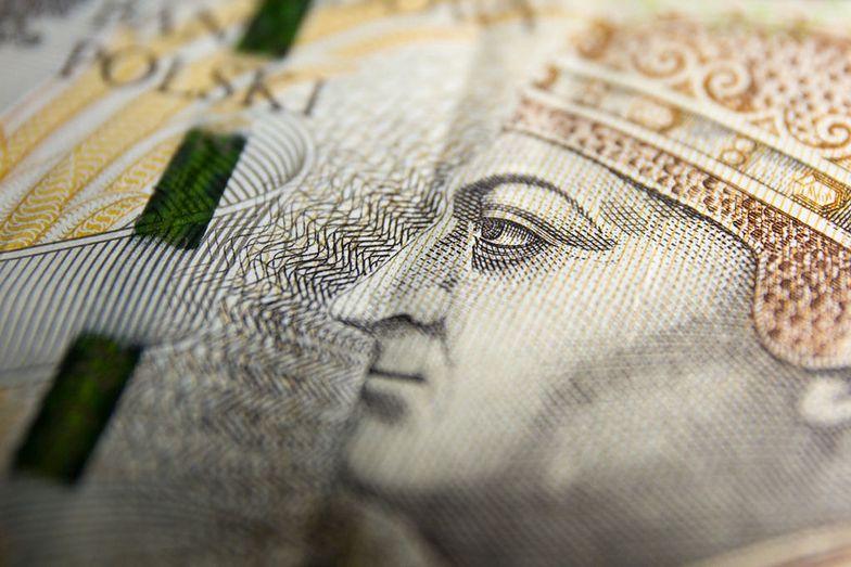 Polacy tracą miliardy na lokatach. Inflacja nas wykończy