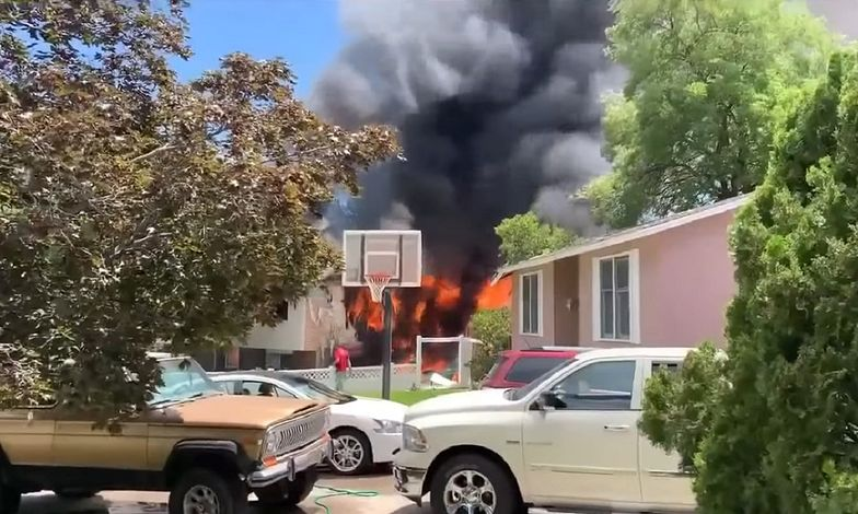 Samolot rozbił się na podwórku. Trzy osoby nie żyją