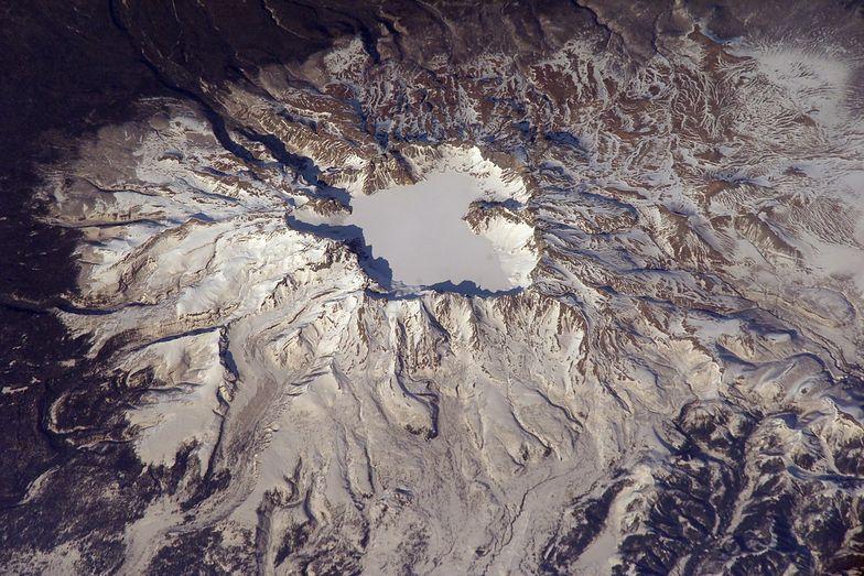 Góra Pektu-san jest oficjalnym miejscem narodzin Kim Dzong Ila