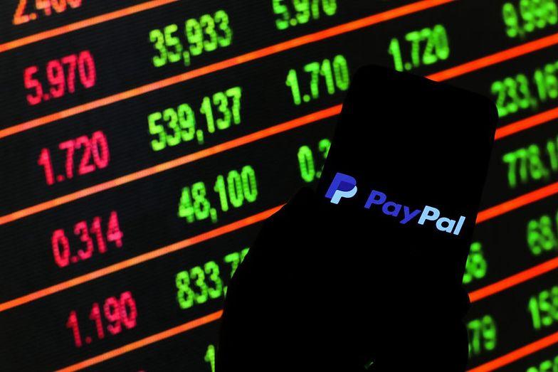PayPal pobierze pieniądze z konta. Co zrobić, żeby nie stracić 50 zł?