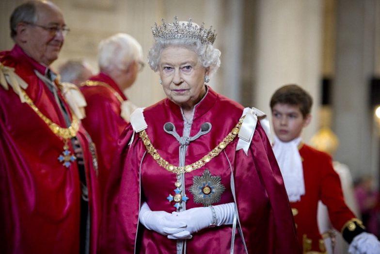 Koronawirus. Elżbieta II straci 15 mln funtów
