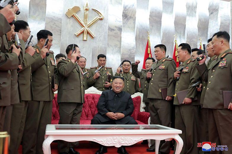 Korea Północna świętuje zwycięstwo. Kim Dzong Un wręczył prezenty