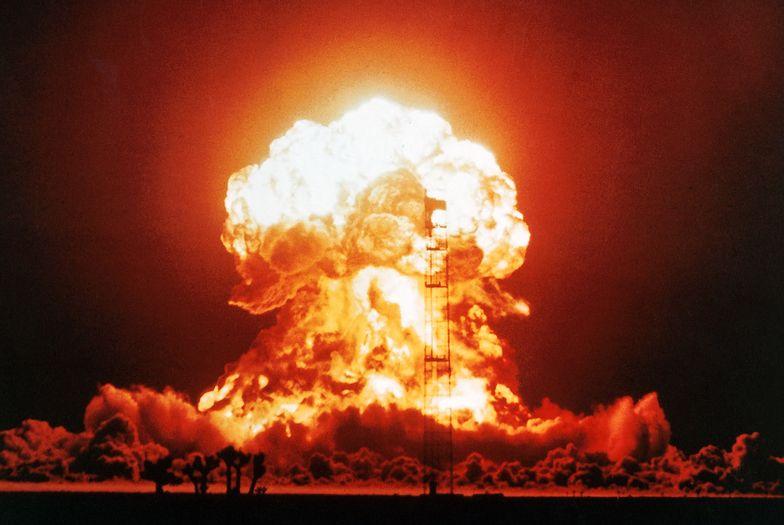 Test nuklearny USA na poligonie Nevada.