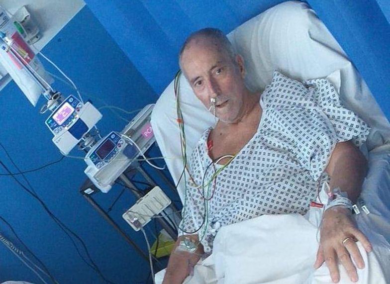 65-latek chory na COVID-19 doświadczał problemów z wątrobą, halucynacji oraz bólu brzucha