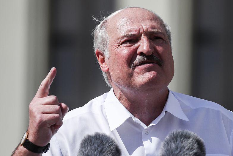 Białoruś. To on stoi za wstrząsającymi nagraniami. Mówi wprost: Łukaszenka się boi