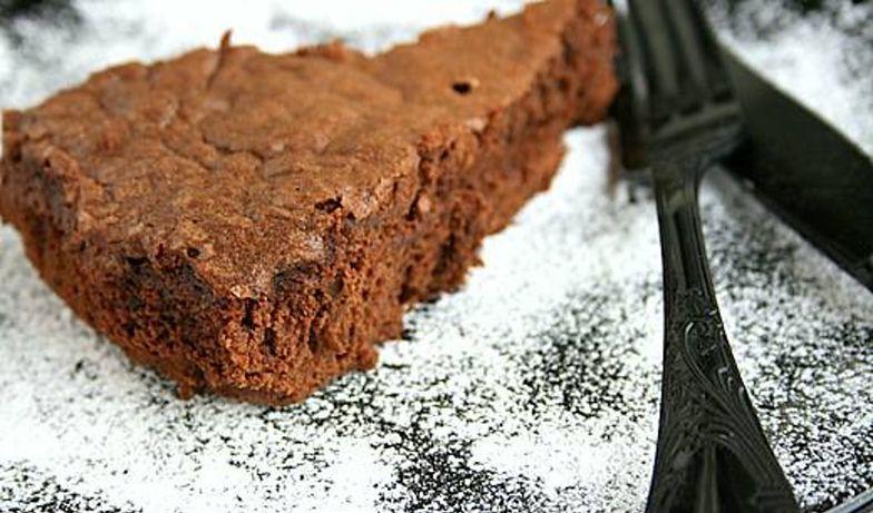 Czekoladowe ciasto z Nutelli. Tylko dwa składniki