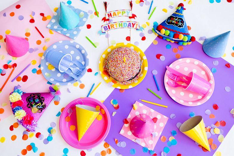 Życzenia urodzinowe. Najpiękniejsze wierszyki i życzenia SMS