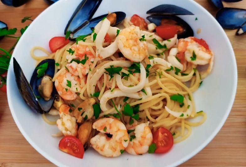 Spaghetti frutti di mare to sycące danie dla fanów owoców morza.