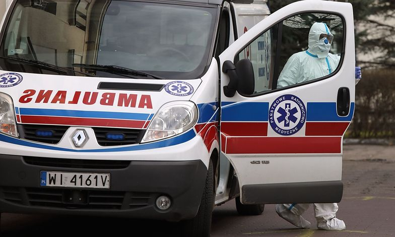 Ratownicy medyczni pilnie poszukiwani. Kuriozalne stawki w ogłoszeniach