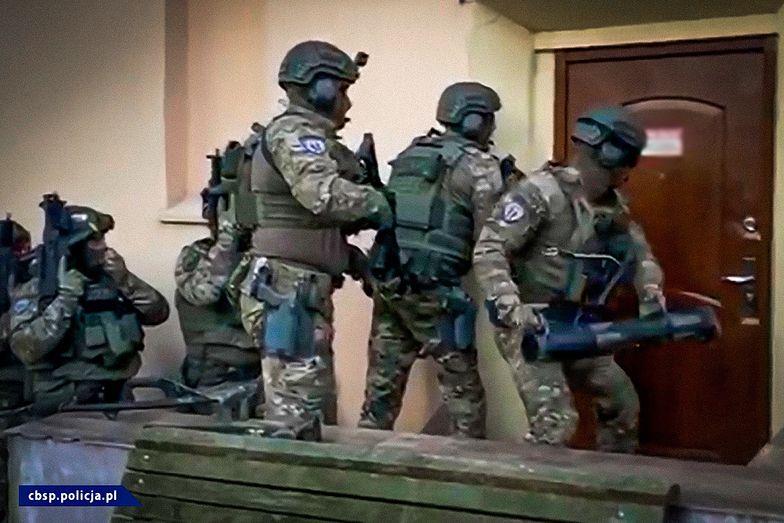 Wielka akcja policji. Zabezpieczono m.in. nielegalne testy na koronawirusa