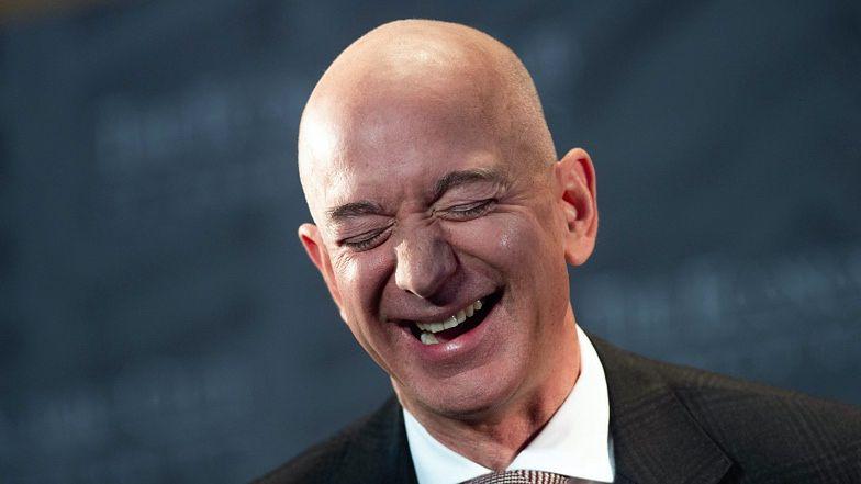 """Szef Amazona prowadzi zbiórkę dla... PRACOWNIKÓW SWOJEJ FIRMY. Fani: """"Popis bezczelności"""""""