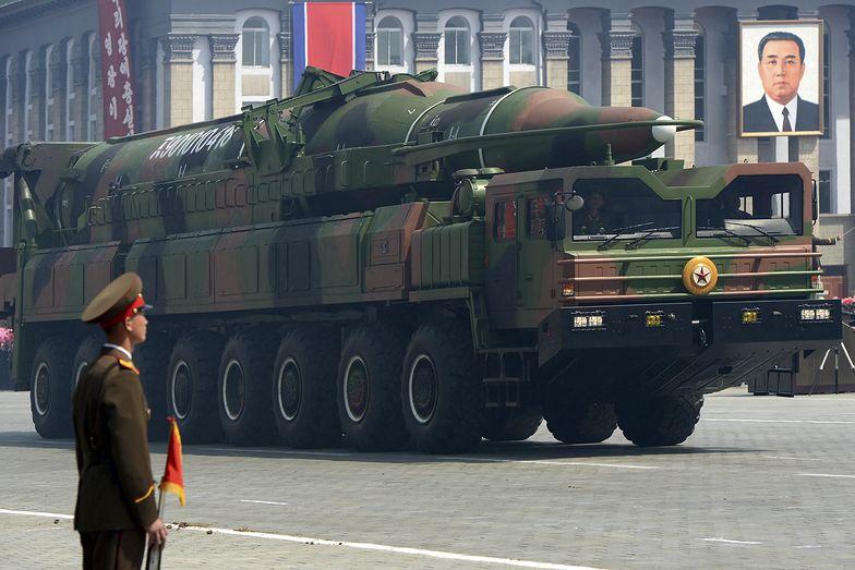 """Korea Północna grozi. Chce pracować nad """"planem odstraszania nuklearnego"""""""
