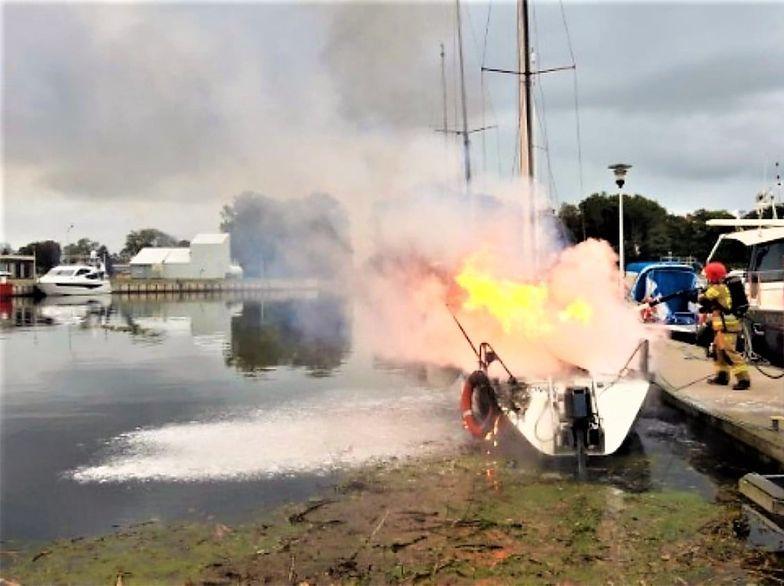 Żona spaliła mu jacht. Była o niego zazdrosna
