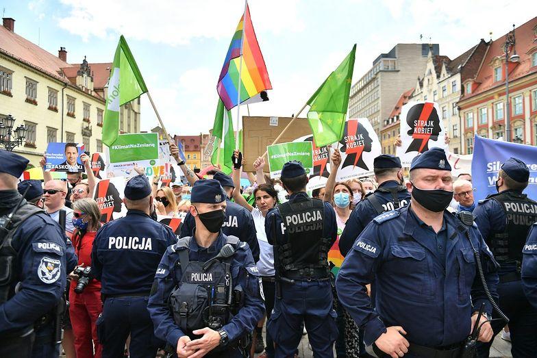 Wybory 2020. Awantura na wiecu Andrzeja Dudy we Wrocławiu