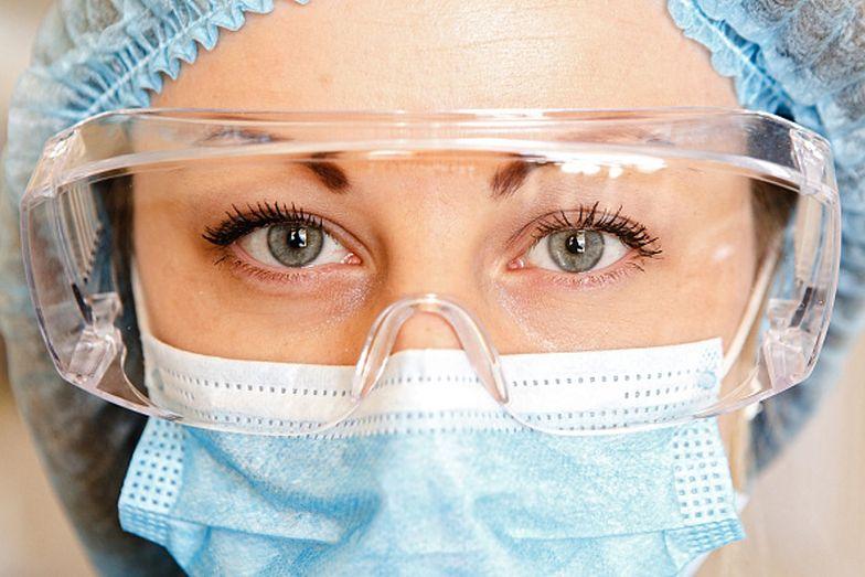 Oczy są jedną z dróg, przez które koronawirus dostaje się od organizmu człowieka