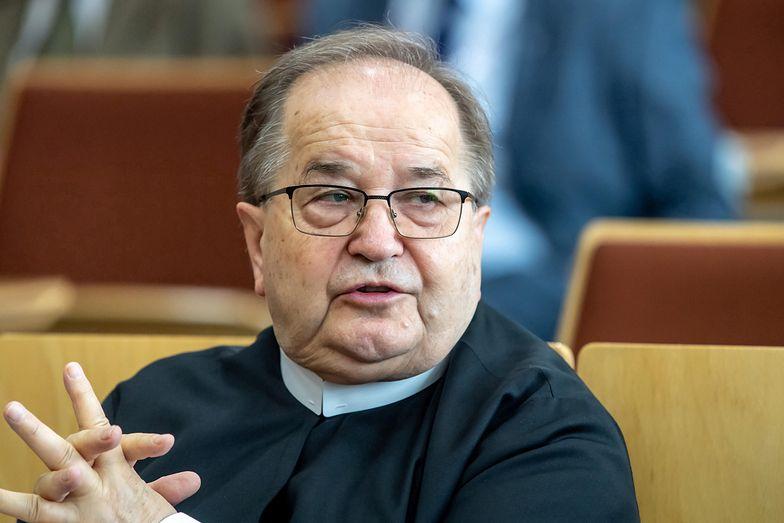 Uczelnia Rydzyka dyskryminowała ateistę. Jest wyrok sądu