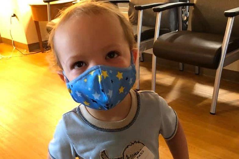 U 2-letniego Jacka zdiagnozowano COVID-19. Poruszający apel matki