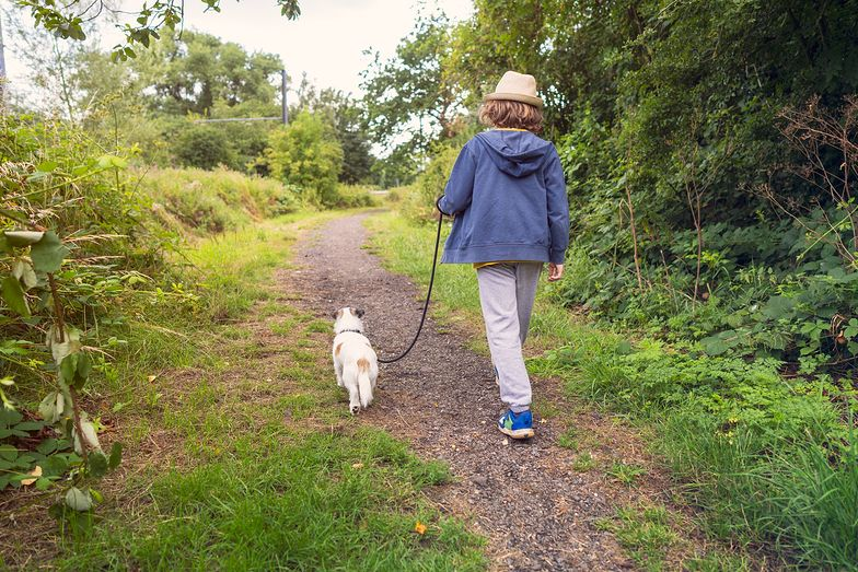 Poszedł na spacer z psem. Mama była w szoku, kiedy zobaczyła, z czym wrócił