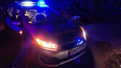 Ucieczka przed policją zakończyła się dla kierowcy w rowie.