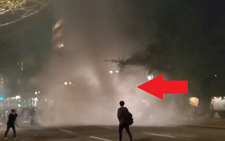 To nie jest zwykłe tornado. Demonstranci mieli dmuchawy do liści