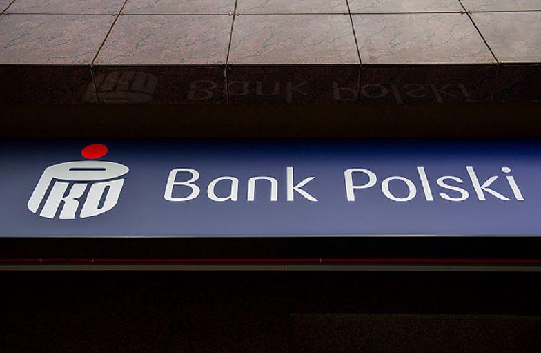 Bank PKO PB apeluje i  ostrzega. Ryzyko utraty oszczędności.