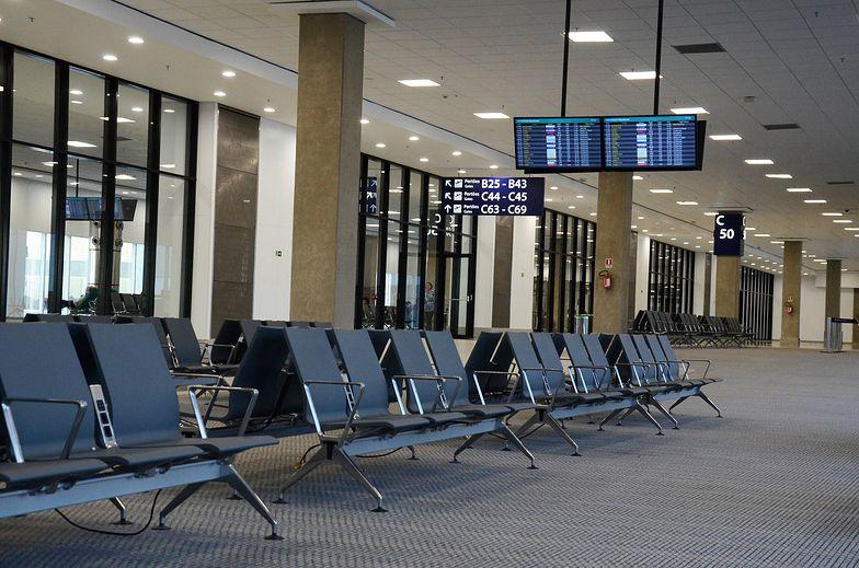 Samolotami lata obecnie w USA zaledwie 1/4 pasażerów sprzed wybuchu pandemii