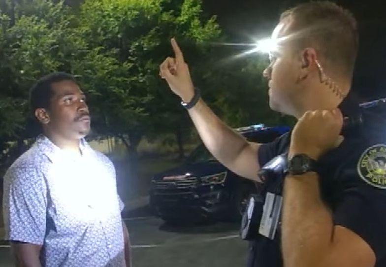 Kolejna tragedia. Policjant zastrzelił Afroamerykanina. Lekarz: to było morderstwo