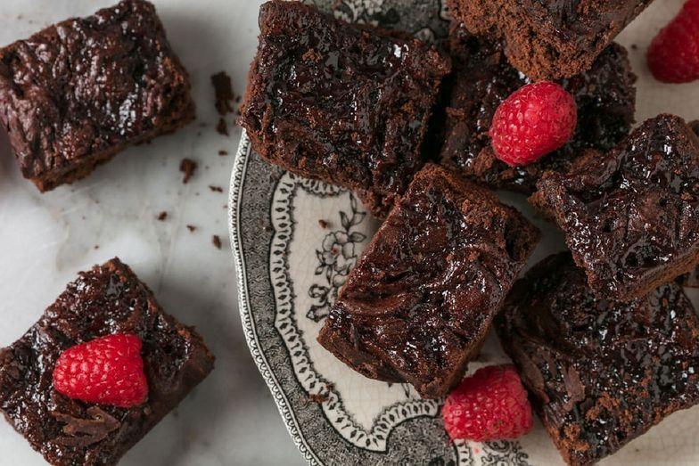 Przepis na brownie bez jajek, cukru i mąki. Potrzebujesz tylko czterech składników