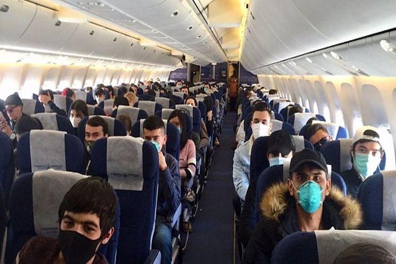 Koronawirus rozprzestrzenia się w samolotach. Dystans nie wystarczy