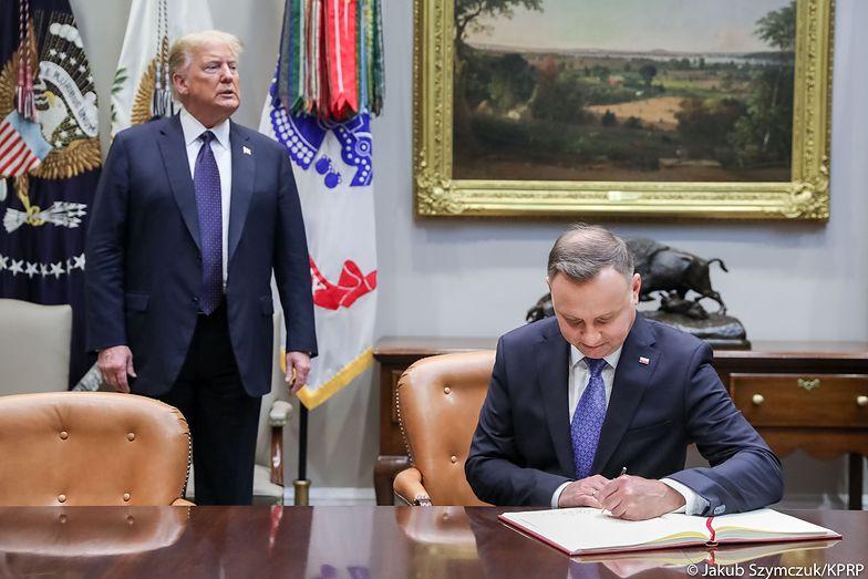 Andrzej Duda w USA. Internauci kpią ze zdjęcia prezydenta Polski z Trumpem