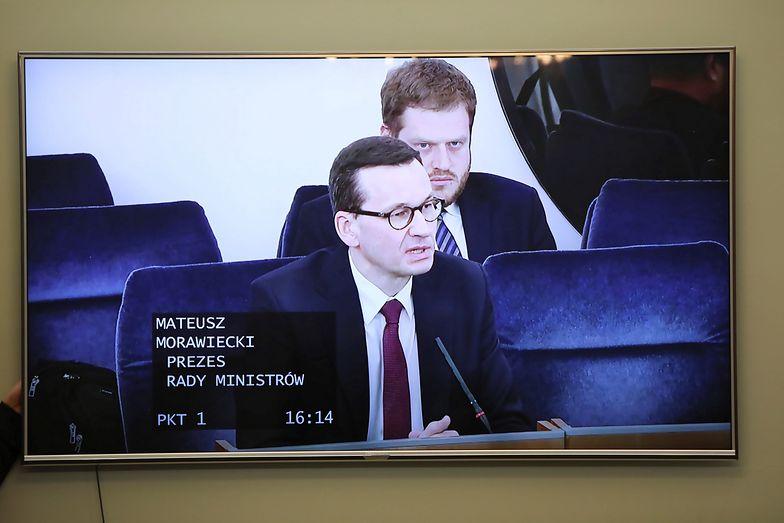 Mateusz Morawiecki poinformował o wprowadzeniu kolejnych obostrzeń