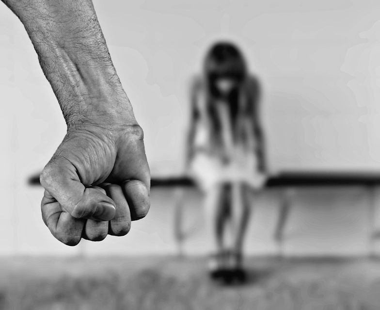 Gwałtu nie było, bo nie krzyczała. Absurdalny wyrok sądu w Polsce