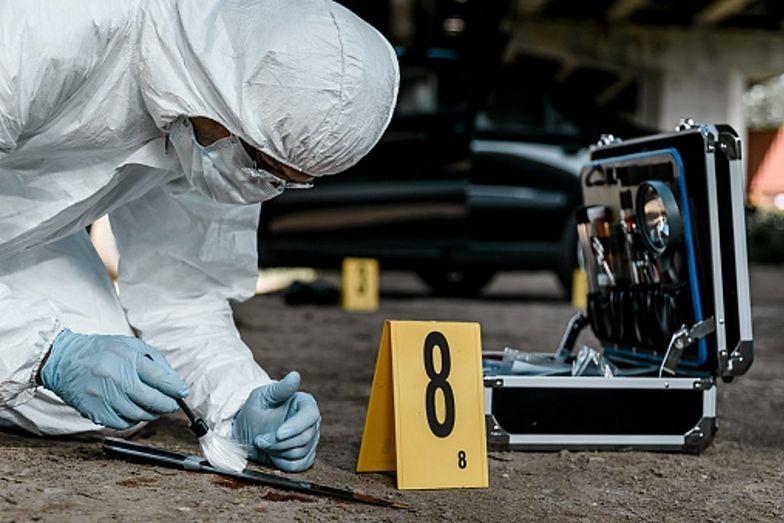 Podejrzana twierdziła, że ofiara upadła na nóż, który właśnie zabrała 2-letniemu dziecku