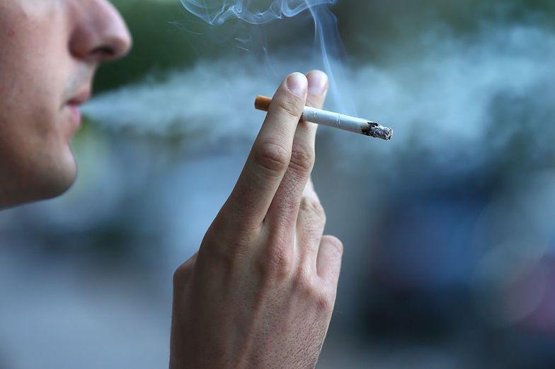 Zła wiadomość dla palaczy. W maju wchodzą nowe przepisy. Co się zmieni?