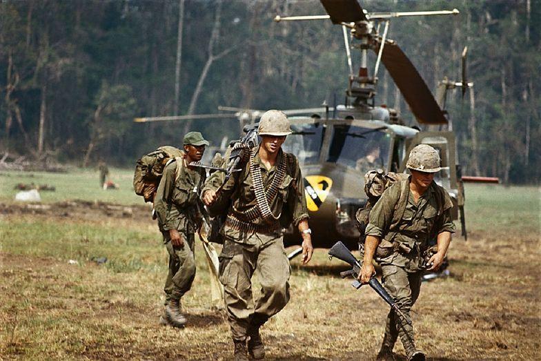 Wojna w Wietnamie trwała prawie 2 dekady.W trakcie jej trwania zmarło mniej Amerykanów niż w wyniku zakażenia koronawirusem.