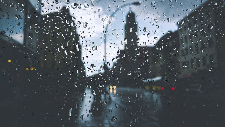 Pogoda. Zimno, wietrznie i deszczowo. Taka będzie niedziela 18 października