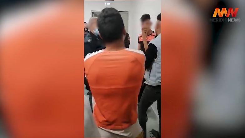 Oburzające nagranie z Sycylii. Policjant poniżał i bił imigrantów