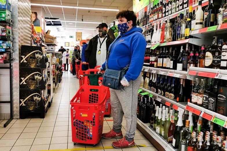 Wielka promocja w Biedronce. Znowu obniżyli cenę piwa. Złamana granica 2 zł