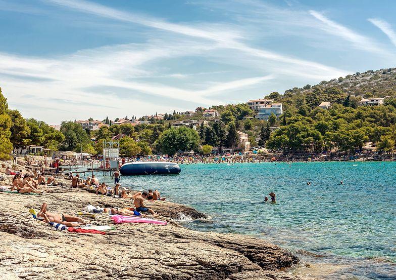 Wakacje w Chorwacji. Przez koronawirusa kolejny kraj utrudnia turystkom powrót