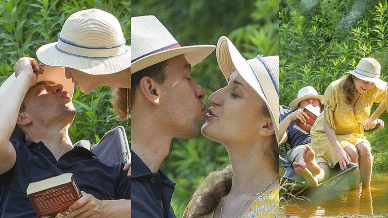 Całuśny Krzysztof Bosak dokazuje z żoną w szuwarach